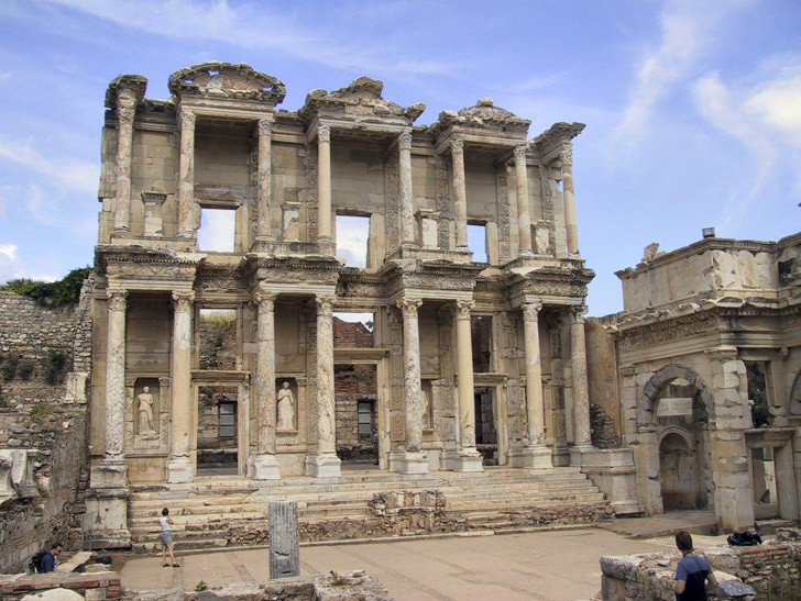 ancient library celsus Architecture and Optical Illusion