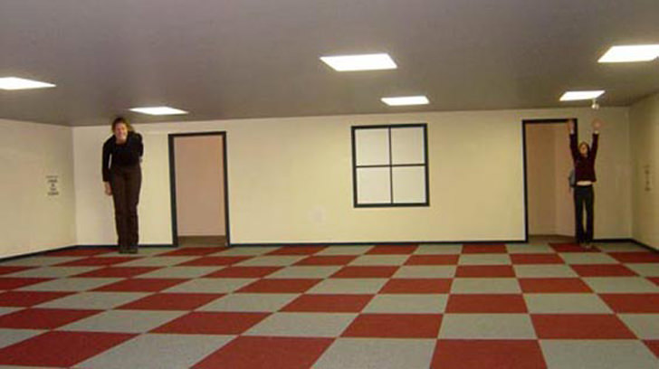 optical illusion room