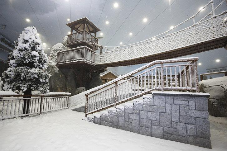 Ski Dubai - Indoor Ski Resort