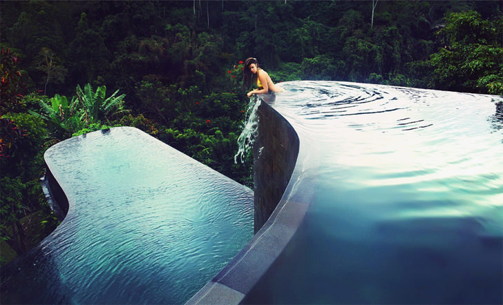 10 Breathtaking Infinity Swimming Pools Around The World